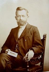 Portrait-Aufnahme von Max Eschenhagen, Herbst 1900